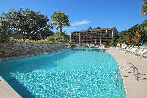 The swimming pool at or near Island Club Condos 2