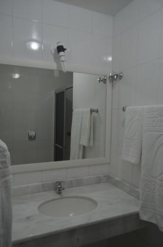 Un baño de Hotel Obino São Borja