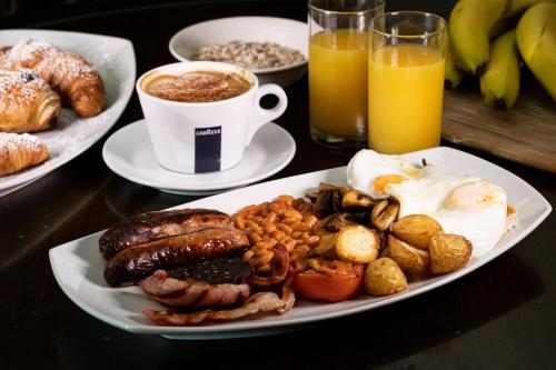 Breakfast options available to guests at Radstock Hotel near Bath