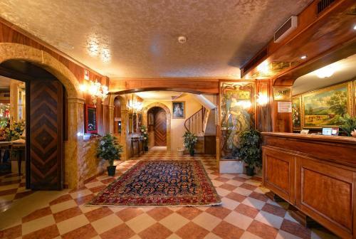 The lobby or reception area at Antico Panada
