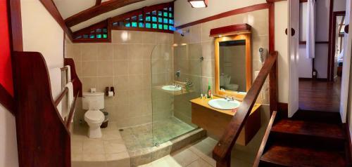 Een badkamer bij Namuwoki Lodge