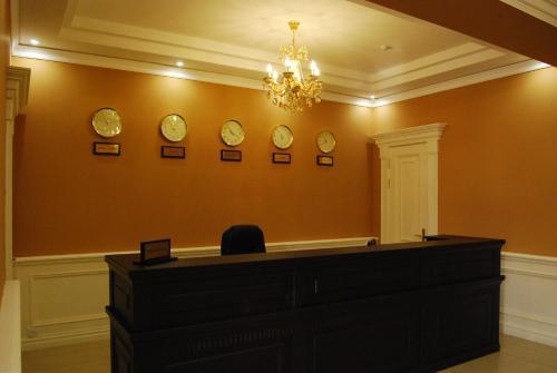 Лобби или стойка регистрации в Jahon Palace