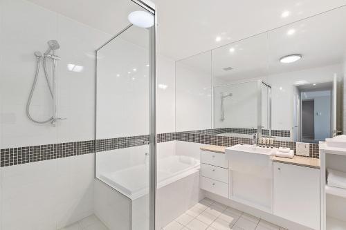 A bathroom at Akama Resort