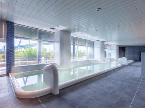 The swimming pool at or near LIBER HOTEL AT UNIVERSAL STUDIOS JAPAN