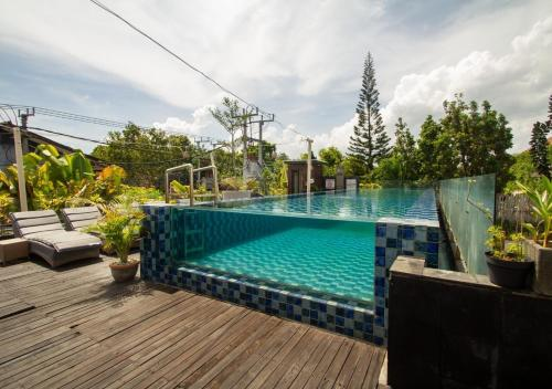 The swimming pool at or close to Kuta Ardenia Residence
