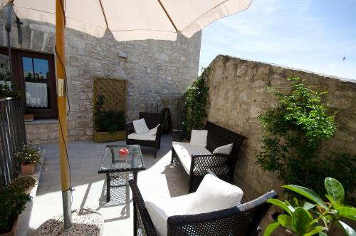 A porch or other outdoor area at Residence Erice Pietre Antiche & rooms