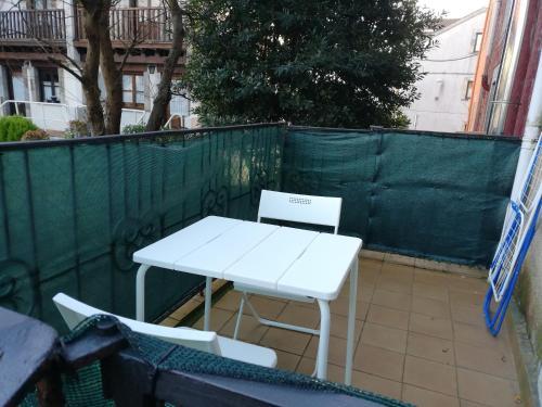 Un balcón o terraza de AT Villa Manola