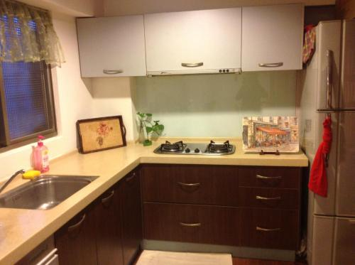 A kitchen or kitchenette at Prince and Princess
