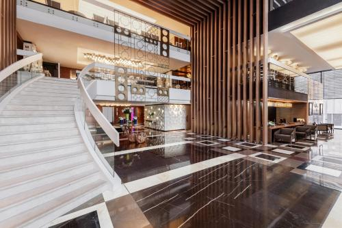 The lounge or bar area at Four Points by Sheraton Doha