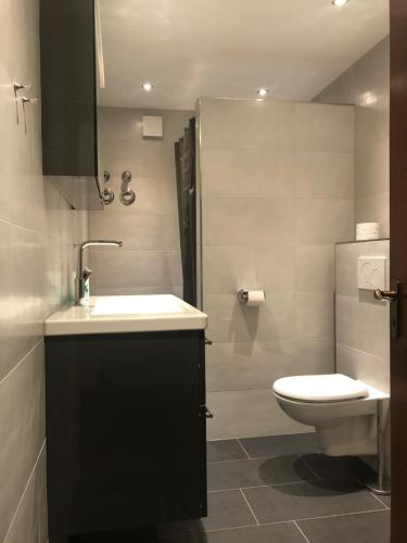 A bathroom at First Class Residence