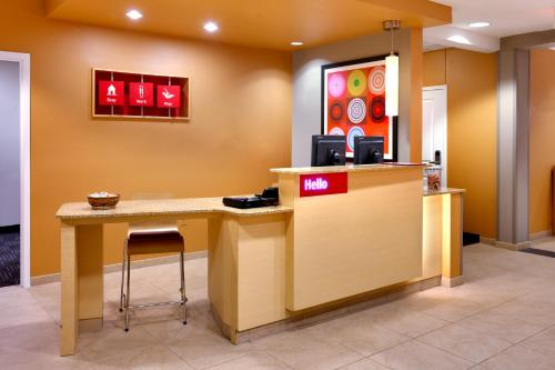 The lobby or reception area at TownePlace Suites Omaha West