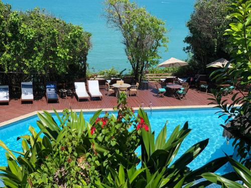 A piscina localizada em Hotel Ponta do Madeiro ou nos arredores