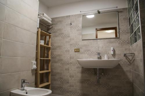 A bathroom at Albergo Parco Gran Sasso