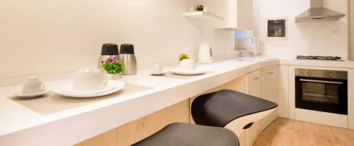 A kitchen or kitchenette at Dante 58