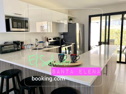 Exclusive Santa Elena House WIFI*HDTV*AC*Gated 24/7