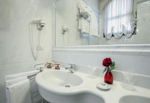 A bathroom at Locanda Vivaldi