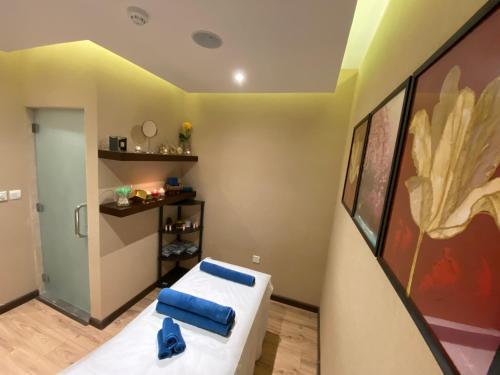 مطبخ أو مطبخ صغير في فندق نافيتي ورويك الدمام
