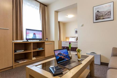 The business area and/or conference room at Sofia Palace Hotel by HMG