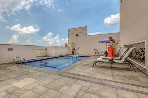 The swimming pool at or near Mercure Sao Paulo Naçoes Unidas