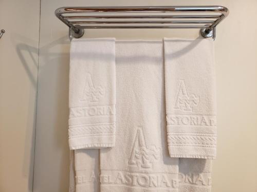 A bathroom at Hotel Astoria Palace