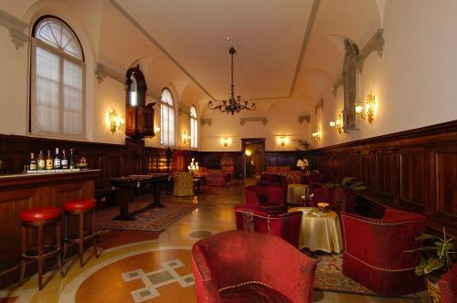 The lounge or bar area at Hotel Abbazia