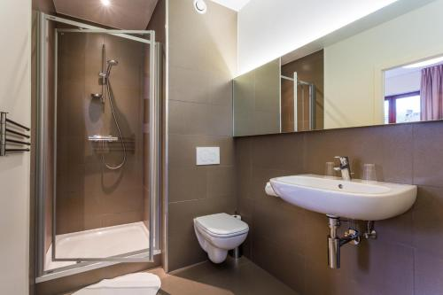 Un baño de Hotel Bla Bla