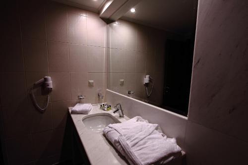 Siris Hotel Serres, Greece