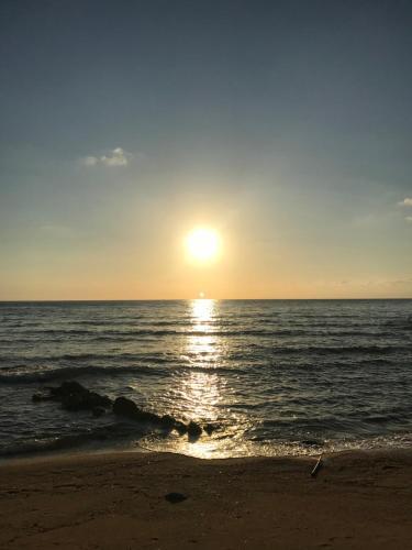 En strand i nærheden af bed & breakfast-stedet
