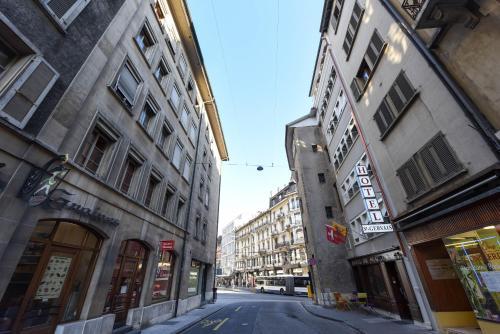 The surrounding neighborhood or a neighborhood close to the hotel