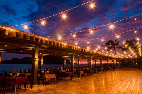 Un restaurante o sitio para comer en Hotel Playa Mazatlan