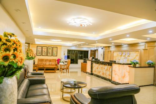 The lobby or reception area at 456 Hotel