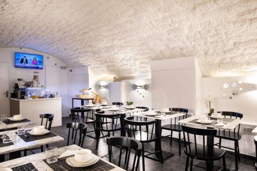 Restaurant ou autre lieu de restauration dans l'établissement Hôtel de la Gaîté