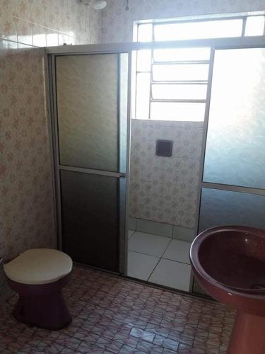 A bathroom at Pensão Bela Vista