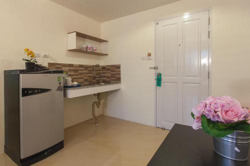 A kitchen or kitchenette at Viva Residence