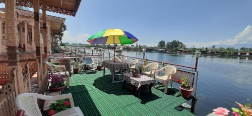 A restaurant or other place to eat at Lake Palace Group Of House Boats