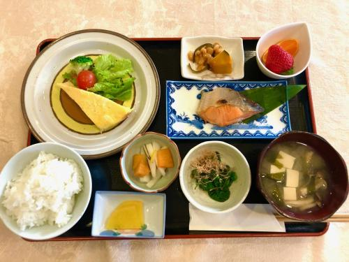 Breakfast options available to guests at Tamaki Ryokan