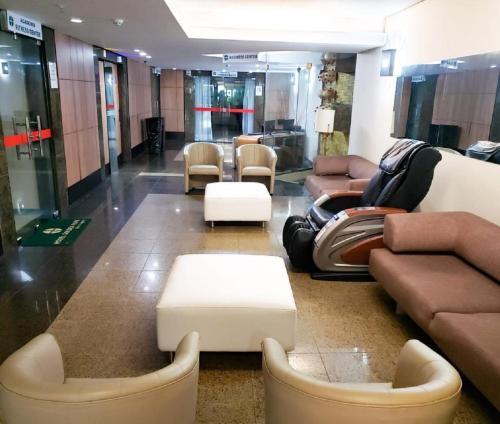 The lobby or reception area at Golden Park Recife Boa Viagem