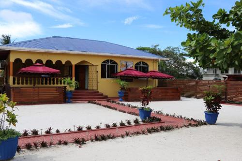 Ms. Holder's Comfort Villa