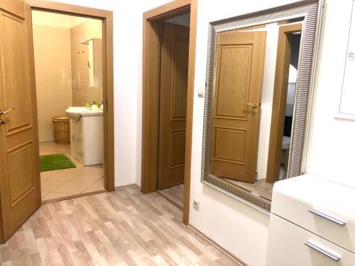Koupelna v ubytování Apartments Valencia