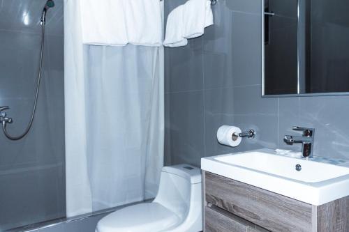 A bathroom at Hotel Santa Cruz