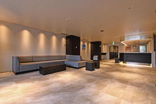 Area lobi atau resepsionis di Hotel Sunroute Sapporo