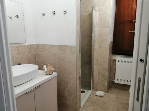 A bathroom at B&B Ninfa