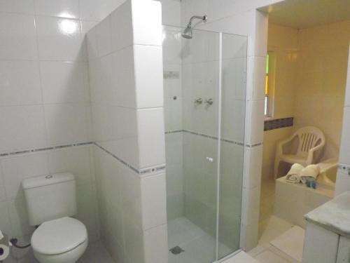 A bathroom at Hotel Vivenda Penedo