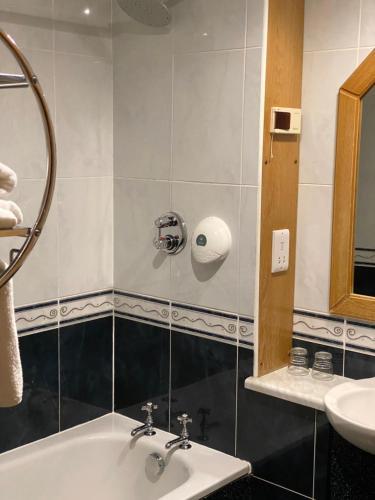 A bathroom at Bessemer Hotel