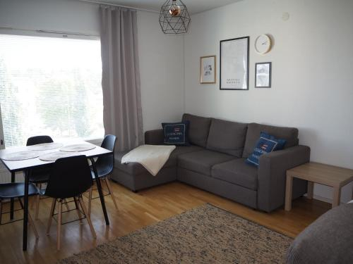 A seating area at Studio Meri-Naantali