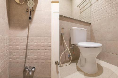A bathroom at OYO 2862 Lantana