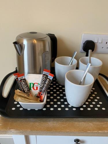 Coffee and tea-making facilities at Royal Oak Hotel
