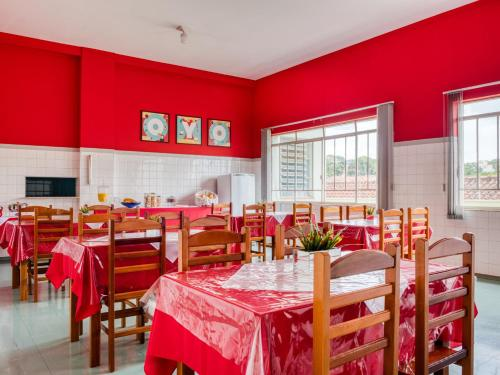 Um restaurante ou outro lugar para comer em Palace Hotel Itapira