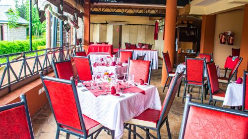 A restaurant or other place to eat at Anka Resort