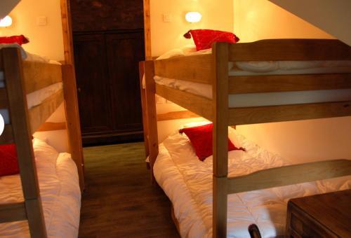 Un ou plusieurs lits superposés dans un hébergement de l'établissement Gîte La Grange